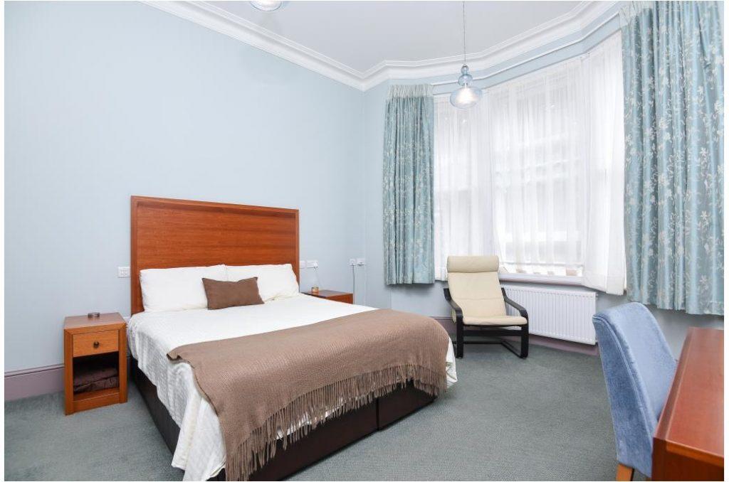 23pr2-bedroom